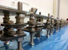 Klebelehren zur Verklebung von Werkstoffprobkörpern - Bonding-jigs for test specimen